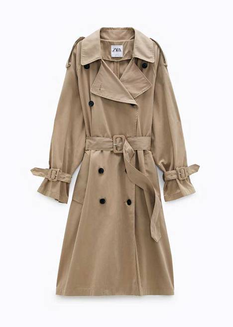 Esimerkiksi tältä muodikas trenssityyli näyttää nyt, 69,95 €, Zara.