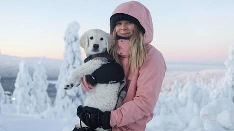 Eveliina Tistelgren, 30, muutti Helsingin sijaan Lappiin. Yksiö Lauttasaaressa vaihtui paritalonpuolikkaaseen Levillä.
