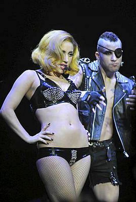 Lady Gaga tuntee olonsa ykisnäiseksi.