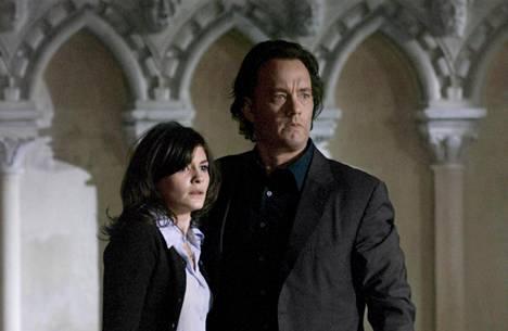Tom Hanks ja Audrey Tautou ratkovat arvoituksia.