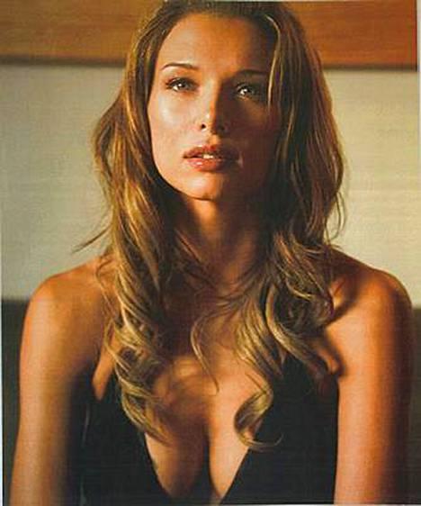 Vera Jordanova näyttelee Hostel-leffassa supermallia.