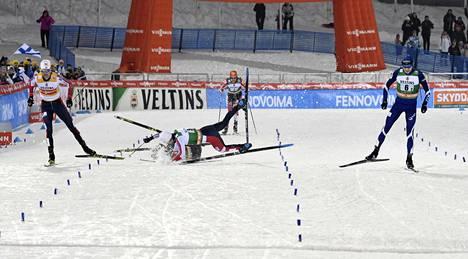 Loppusuoralla rytisi. Eero Hirvonen toi Suomen maaliin ensimmäisenä.