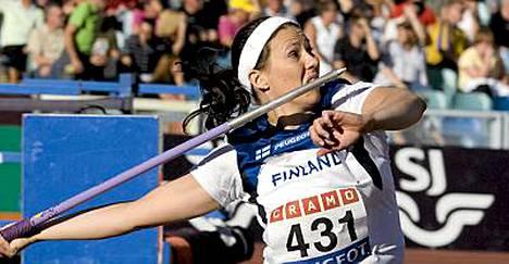 Mikaela Ingberg jatkaa maajoukkuetehtävissä, mutta heito Suomi-paidassa on nähty.