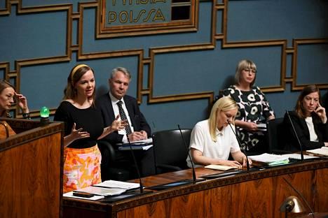 Valtiovarainministeri Katri Kulmuni puhui eduskunnan suullisella kyselytunnilla torstaina.