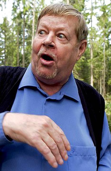 Arto Paasilinna metelöi, hyppi ja vaati lisää alkoholia Norjan Suomen-suurlähetystössä viime viikon tiistaina järjestetyillä illallisilla.
