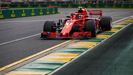 Kimi Räikkönen aika-ajoissa.