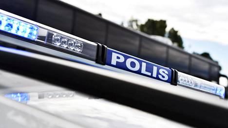 Itä-Helsingissä on otettu kiinni kolme ulkomaalaistaustaista miestä epäiltyinä lapsen törkeästä seksuaalisesta hyväksikäytöstä ja törkeästä raiskauksesta. Kuvituskuva.