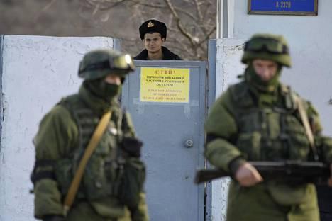 Tunnuksettomat venäläissotilaat valtasivat Krimin maaliskuussa 2014 ja käynnistivät uuden ajan Venäjän ja länsimaiden suhteissa.