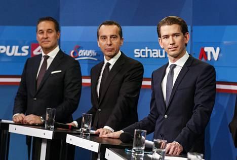 Itävallan vapauspuolueen FPÖ:n johtaja Heinz-Christian Strache, nykyinen liittokansleri ja sosiaalidemokraattien johtaja Christian Kern sekä ÖVP:n johtaja, ulkoministeri Sebastian Kurz rinta rinnan haastattelussa sunnuntaina.