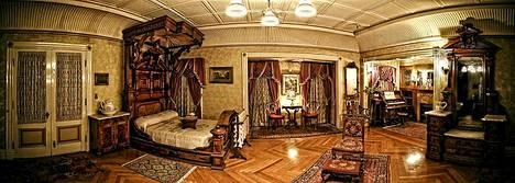 Yöpyisitkö täällä? Halloweenina Winchesterin kartanoon pääsee myös yöaikaan.