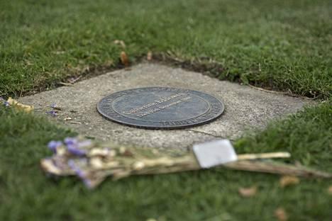 Catherine Eddowesin hauta City of London -hautausmaalla.