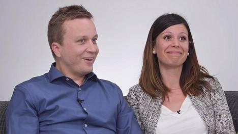 Sarin ja Antin Ensitreffit alttarilla -tarina päättyy jymy-yllätykseen, sillä MTV tiedotti viime viikolla parin odottavan esikoistaan.