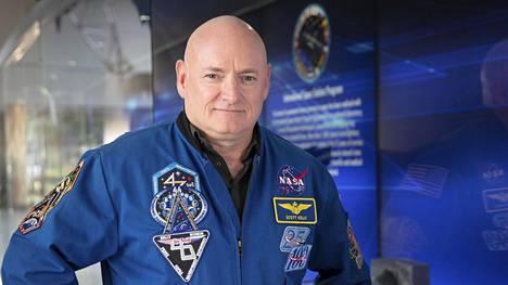 Nasan eläkkeelle jäänyt astronatutti Scott Kelly on jakanut omia niksejään eristäytymisestä selviytymiseen.
