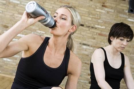 Liikunta auttaa myös stressin purkamiseen. Ole kuitenkin armollinen itsellesi, sillä välillä on hyvä vain levätä.