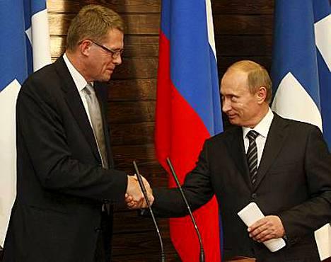 Pääministeri Matti Vanhanen tapasi kollegansa Vladimir Putinin sunnuntaina Pietarissa.