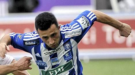 Erfan Zeneli ei saanut sopimusta Sveitsin pääsarjaan.