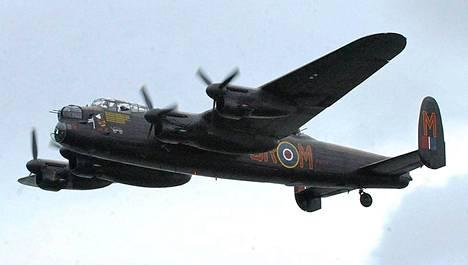 Grand Slam -pommit pudotettiin Avro Lancaster -koneilla. Kuvan Lancaster ei edusta Grand Slamia varten rakennettua erikoismuunnosta.