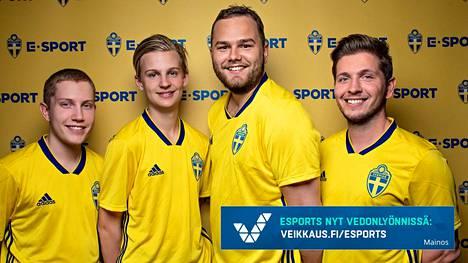"""Ruotsia FIFA-pelissä edustavat (v-o): Simon """"Zimmeghj"""" Nystedt, Olle """"Ollelito"""" Arbin, Pontus Frostvik ja Ivan """"BoarsLegend"""" Lapanje."""