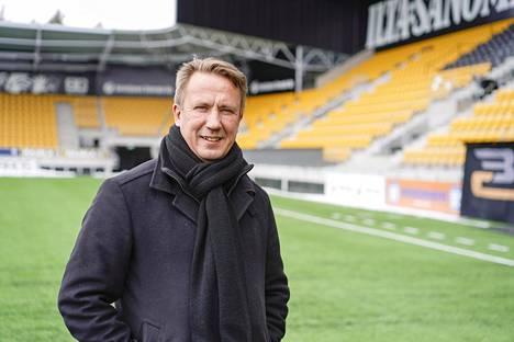 Kiinteistömiljonääri Raimo Sarajärvi tunnetaan erityisesti omistautumistaan Seinäjoen Pallokerholle.