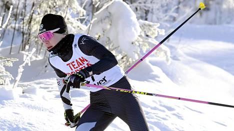 Kaisa Mäkäräinen sijoittui 10 kilometrin vapaan hiihtotavan SM-kilpailussa hopealle.