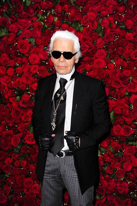 Lagerfeld toimi yli 30 vuoden ajan Chanel-muotitalon pääsuunnittelijana.
