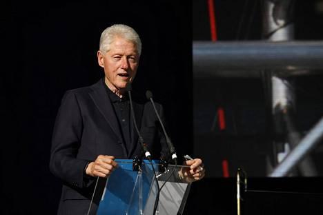 Bill Clinton on kiistänyt tienneensä Jeffrey Epsteinin epäillystä rikollisesta toiminnasta.