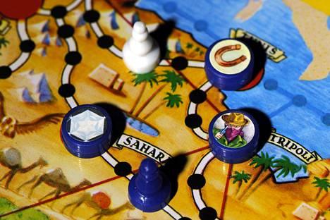 Kairo vai Tanger? Sitä piti miettiä. Pelin kehittäjä Kari Mannerla aloitti taktisista syistä aina Tangerista.
