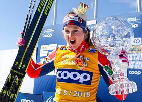 Ingvild Flugstad Östberg voitti viime talvena maailmancupin kokonaiskilpailun. Nyt häneltä jää kiertueen avausviikonloppu Rukalla väliin.