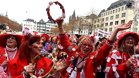 Kölnissä juhlittiin marraskuussa karnevaalikauden alkua. Vuotuinen karnevaali alkaa torstaina tiukkojen turvatoimien saattelemana.