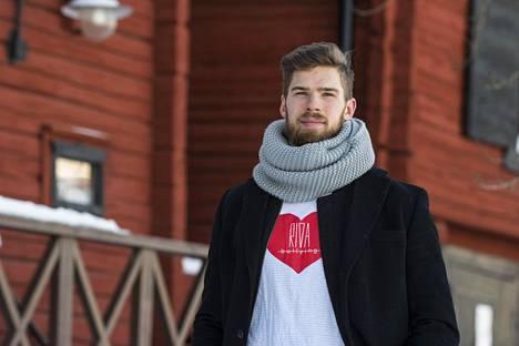 Jani Hakanpäälle on tärkeää, että saa välillä ajatuksensa kokonaan irti jääkiekosta.
