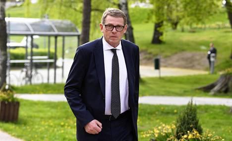 Eduskunnan puhemies Matti Vanhanen viihtyy arvioiden mukaan puhemiehenä hyvin.
