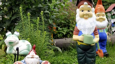 Brittien rakastamista puutarhatontuista on syntynyt huutava pula.
