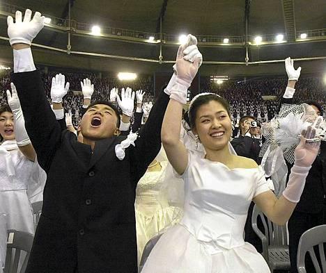 Moonilaisuus on saavuttanut kuuluisuutta muun muassa tuhansille pariskunnille järjestetyistä samanaikaisista massahäistä.