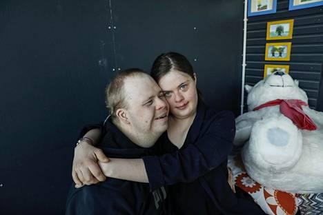 Inka ja Olli jakavat elämänsä ilot ja surut jo kahdeksatta vuotta.