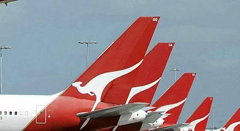 Qantasin matkustajakoneita rivissä Sydneyssa.