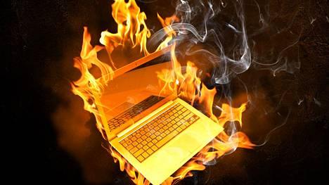 Verkkoon suojaamattomana kytketty tietokone joutuu jatkuvien hyökkäysten kohteeksi.