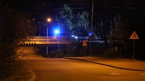 Onnettomuus tapahtui tiellä 140 eli vanhalla Lahdentiellä Mikontien sillan kohdalla.