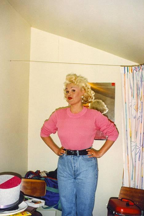 Kikka ihaili Marilyn Monroeta, joka kuoli nuorena. Samalla hän kuitenkin myös pelkäsi Raija Pellin mukaan, että kokisi samanlaisen kohtalon.