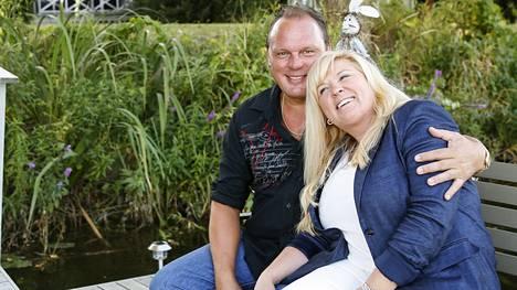 Valeria Hirvonen on seurustellut Jarinsa kanssa jo seitsemän vuotta. Pariskunta asuu yhdessä Valerian Kotkan-kodissa.