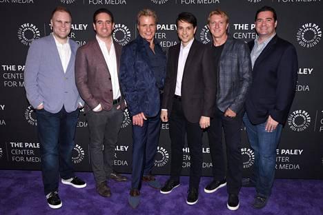 Josh Heald, Hayden Schlossberg, Martin Kove, Ralph Macchio, William Zabka ja sarjan luoja Jon Hurwitz.