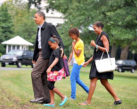 Obamat palasivat lomalta vuonna 2009. Tuolloin perhe oli asunut Valkoisessa talossa reilut puoli vuotta.