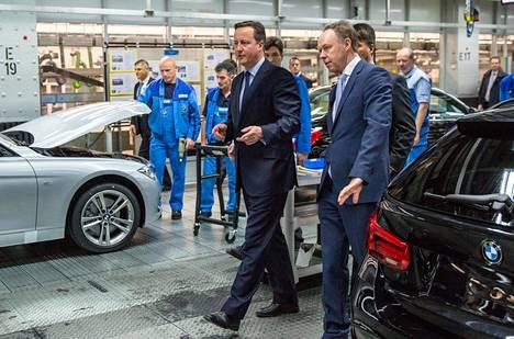 Kun Britannian pääministeri David Cameron askelsi yhdessä toimitusjohtaja Harald Kruegerin kanssa BMW:n tuotantotiloissa Münchenissä 2016, ei brexitin loppulaskusta ollut paljon hajua.