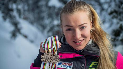 Suomen hiihdon suurlupaus Anita Korva vaihtaa valmentajaa – siirtyy maineikkaan Olli Ohtosen talliin