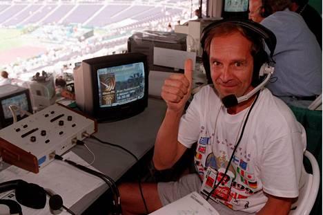 Mauri Myllymäki välitti suomalaisille Michael Johnsonin ME-juoksun Atlantassa 1996.