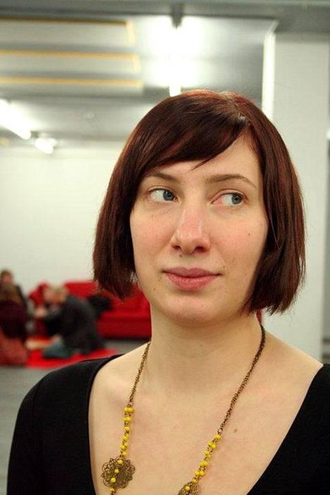 Kuva vuodelta 2010. Nousiaisen nimi on jo muutettu passiin. Keväällä passiin muuttuu myös sukupuoli, kun hän saa todistuksen lisääntymiskyvyttömyydestä.