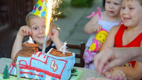 Onko lasten syntymäpäiväjuhlista tullut vanhempien kilpavarustelua?