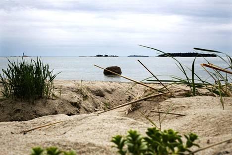 Pentalan saaristomuseon rantaa.