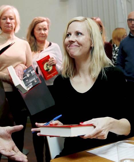 Ylen toimittaja Jessikka Aro julkaisi vastikään kirjan Putinin trollit. Hän kertoo siinä myös omista kokemuksistaan somevainon kohteena Suomessa.