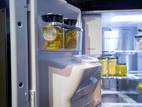 Samsungin Family Hub -jääkaapin ovessa on pieniä kameroita