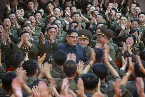 Pohjois-Korean nykyinen johtaja Kim Jong-un on valtiollisen uutistoimiston mukaan jo tutustunut suunnitelmaan Guamin saaren ohjusiskusta.